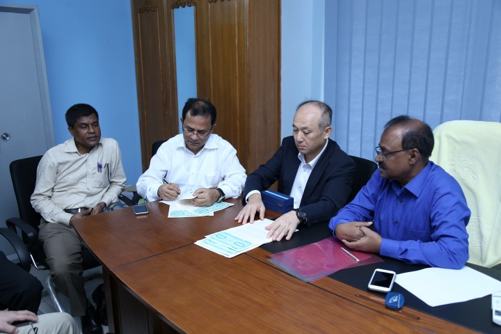Kalna_Contract Signing (Small)